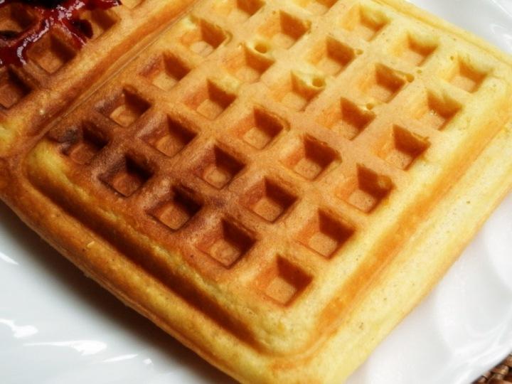 cornmeal-waffles